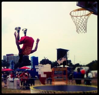 Its a world upside down, amazing dunk by Jerry Burell (Sixfo)
